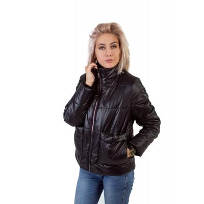 Утепленная  женская куртка с объемным карманом, цвет -черный